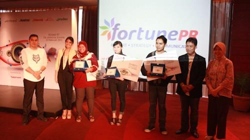 Foto_Pemenang_Bersama_Dewa_Juri